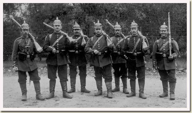 oude militaire uniformen